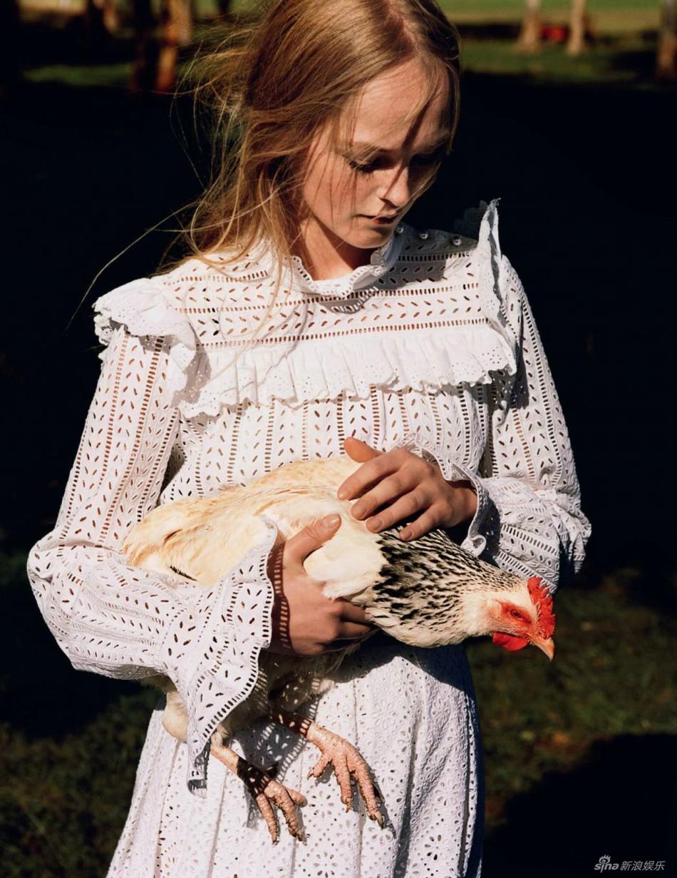组图:超模演绎清纯乡村女孩 浪漫温馨令人回味