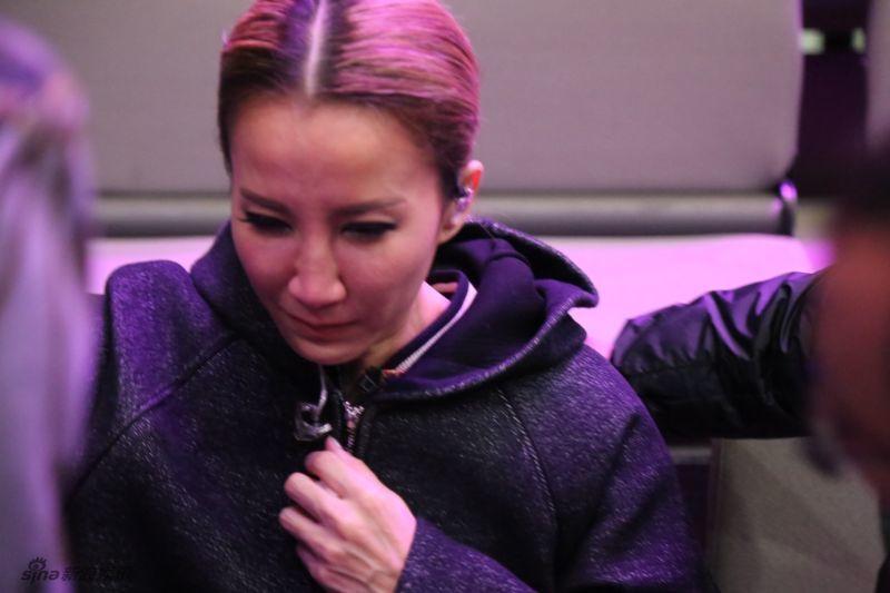 """李玟""""失声""""彩排掩面痛哭 《我是歌手》第8期淘汰赛录制现场照"""