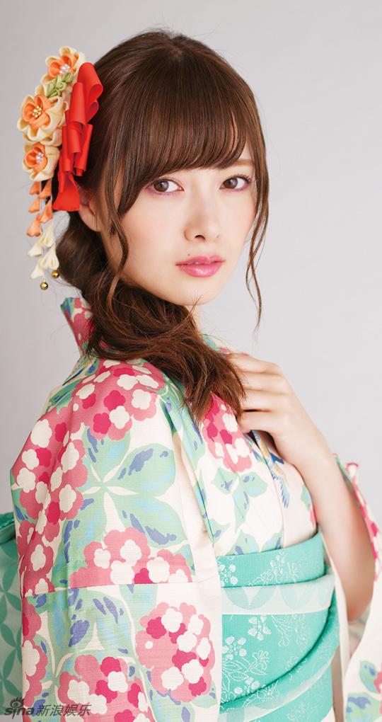 组图:日本女星白石麻衣拍和服写真 高贵端庄