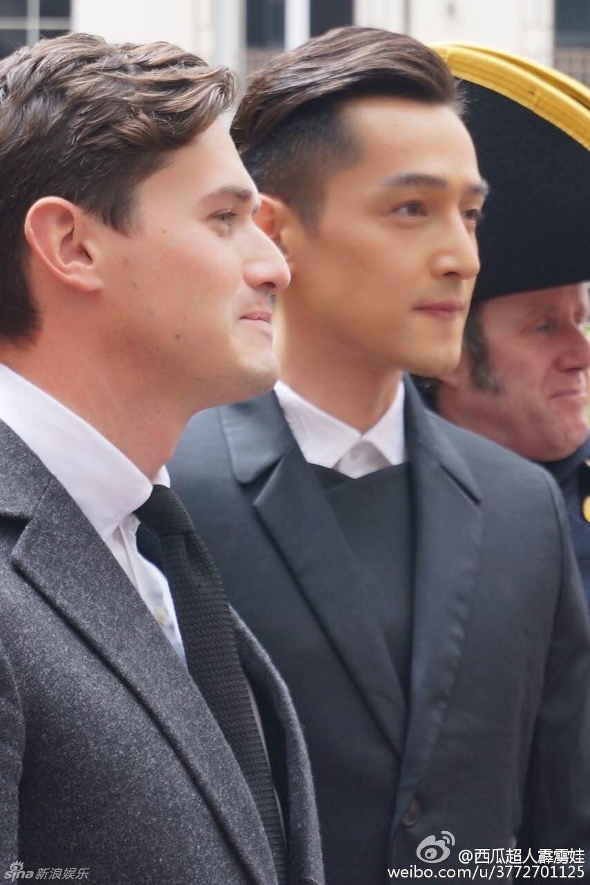 王睿卓的男朋友的照片-歌合影邓文迪小男友 侧脸相似帅气不输图片