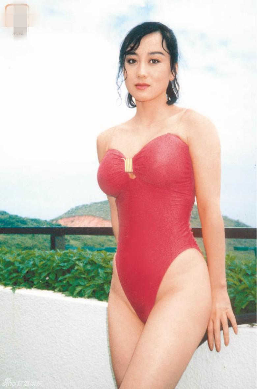 组图 李连杰54岁妻子利智保养得宜 前凸后翘