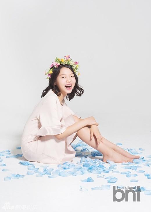 组图:韩国童星崔秀仁拍写真 清纯少女天真可爱_高清