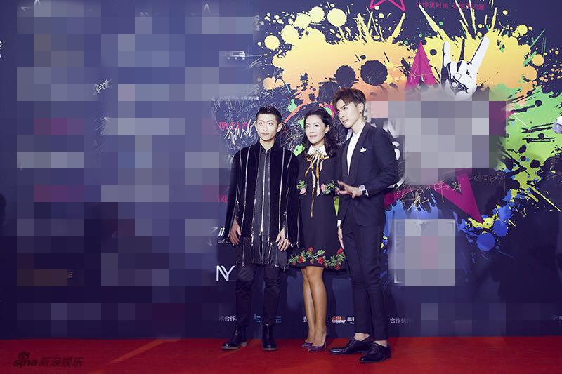 唐禹哲携手时尚集团总裁,《时尚芭莎》总编辑苏芒以及当红小生张一山