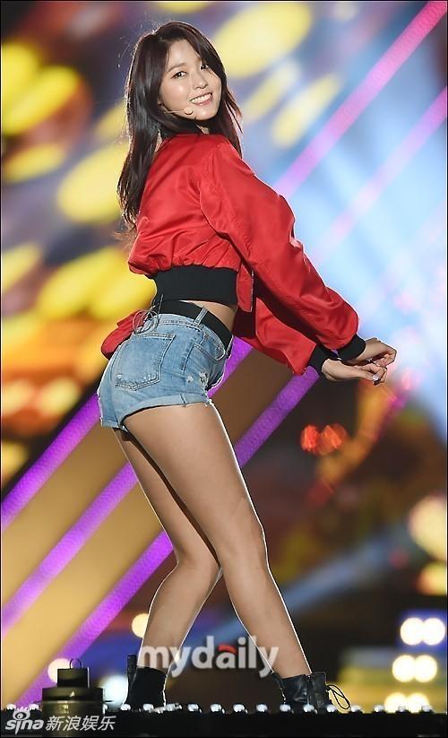 有完美大长腿的AOA雪炫 竟是家中最矮