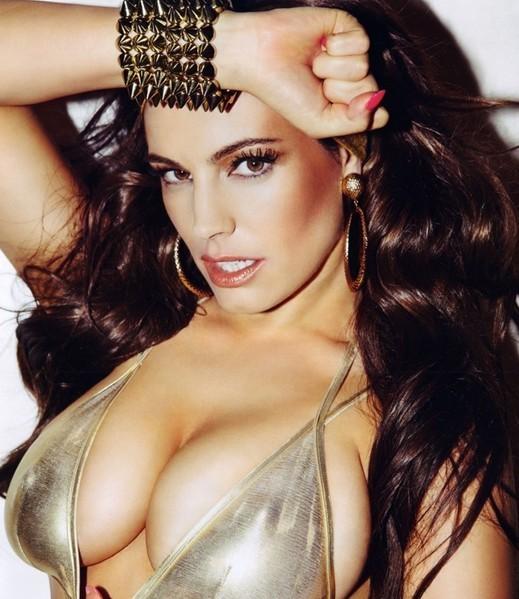 最性感的胸_细数欧美最性感巨胸女星 半裸遮胸照火辣诱惑