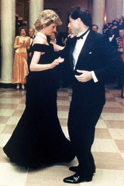 戴安娜王妃生前10件礼服裙将被拍卖