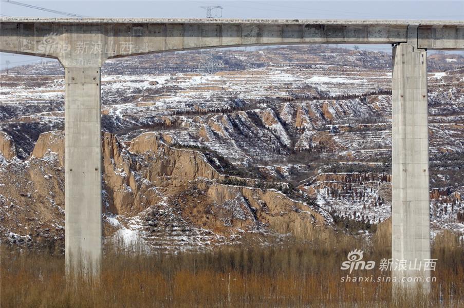 四季风景线描画-录大西高铁沿线四季美景