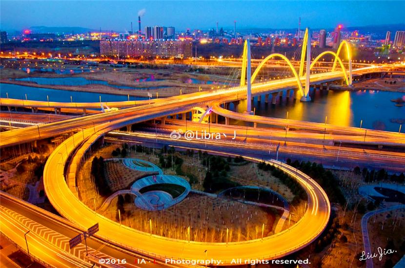 太原北中环桥由滨河西路立交、滨河东路立交和北中环桥三部分组成,