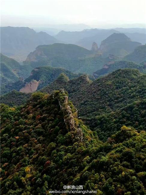 山,位于长治市武乡县城东部洪水镇一带,平均海拔在1800米以上,