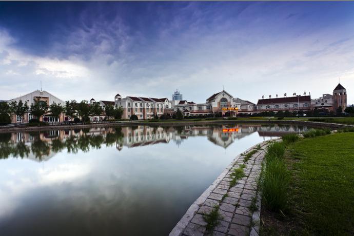 河北省的黄骅,知道的人可能不多.它展示了另一种旅游方式,港口旅