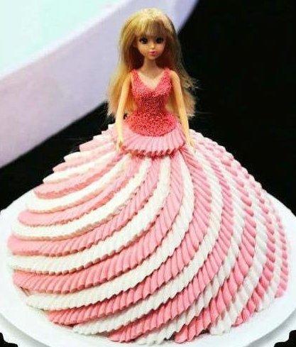公主裙奶油蛋糕 看了就很喜欢