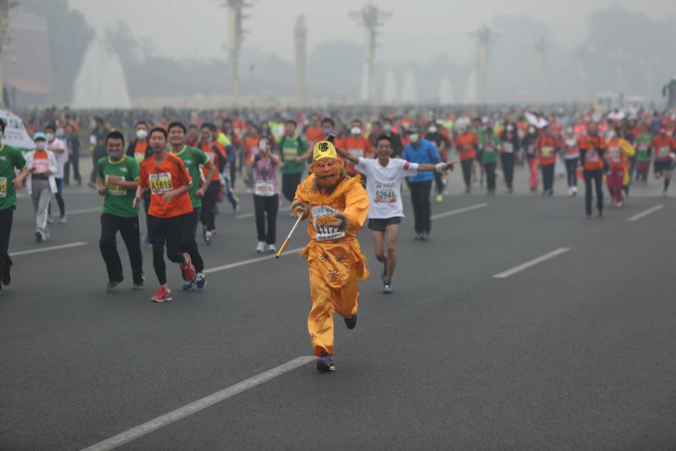 2014北京马拉松惊现各路 神仙图片