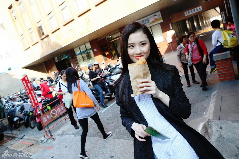 张慧雯街头美美图台湾初体验 美女
