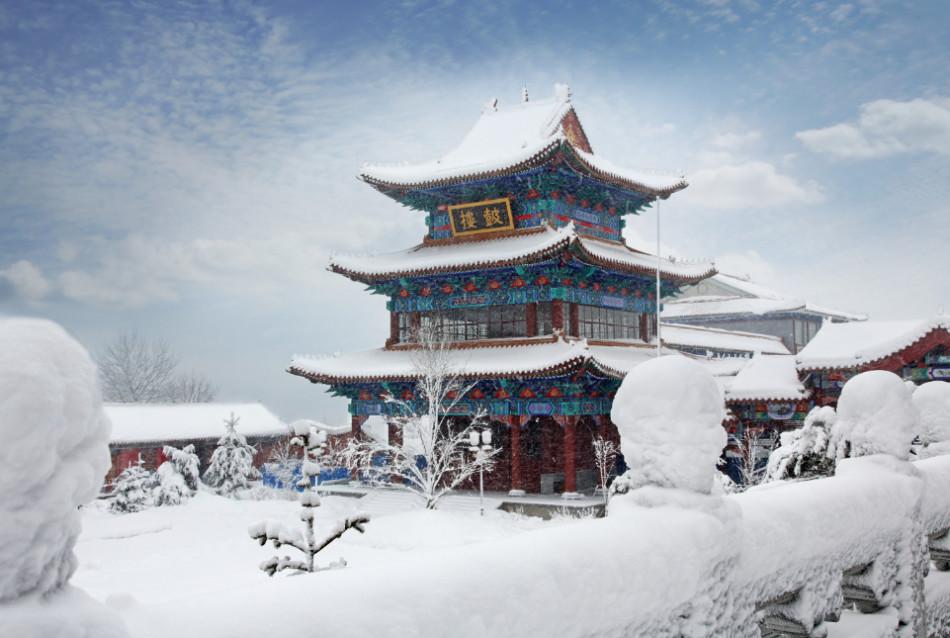 图为敦化六鼎山文化旅游区.