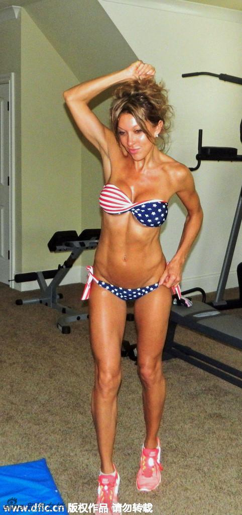 48岁的laura gordon是一名健身狂人,你敢相信她如今已经是一名快五十的中年妇女么?图片