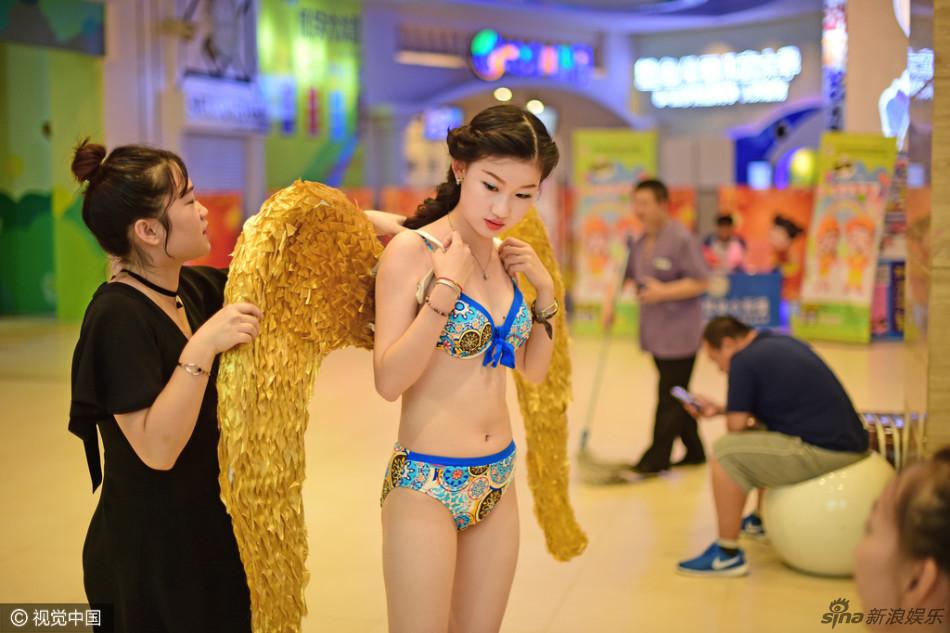 讯 日前,一个19岁的女大学生,决心整容成她心目中的偶像刘亦菲,