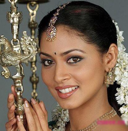 或许这才是你选择印度新娘妆的理由.-神秘异域风情 印度精致妆容图片