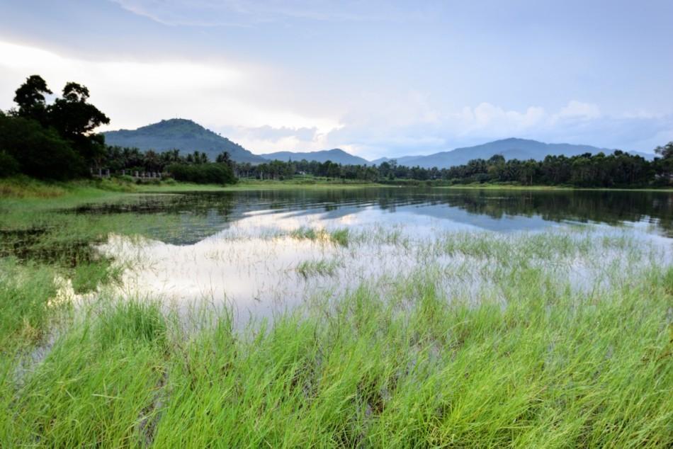 寻找瓦尔登湖的宁逸 屯昌木色湖治愈心灵