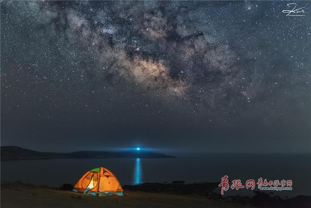 夏夜青岛银河拱桥 浩瀚星空美得人窒息