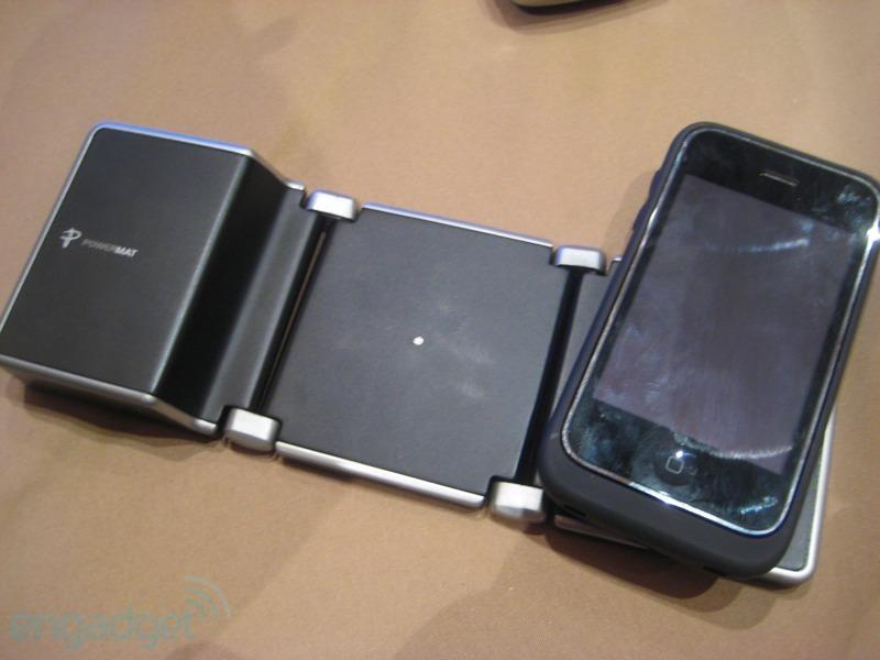 无线手机充电器图片