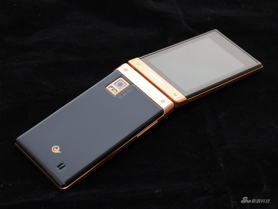 三星galaxysedge_三星2017年或将发布可折叠显示屏智能手机