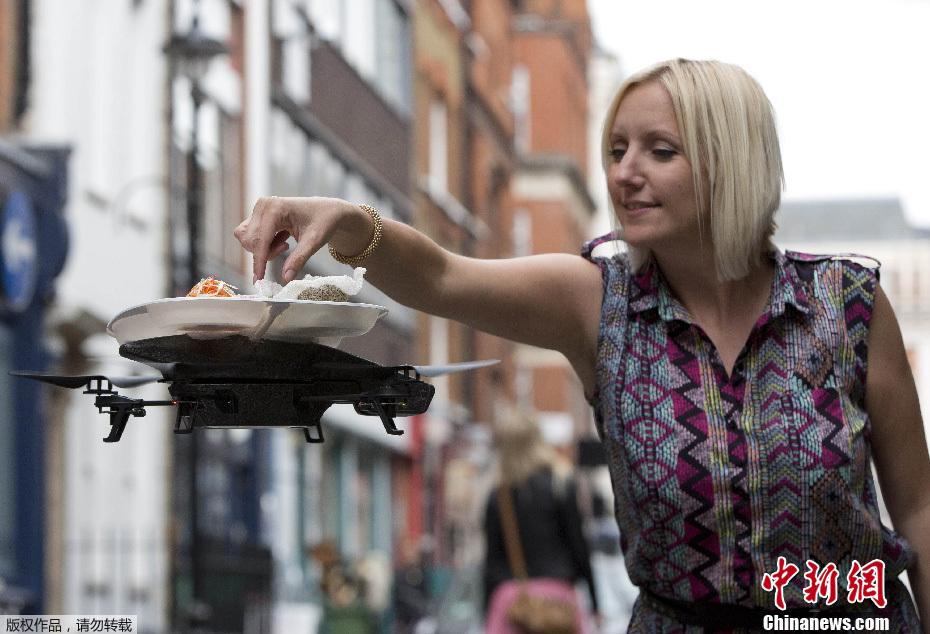 伦敦一寿司店别出心裁:iPad操控飞行餐盘上菜