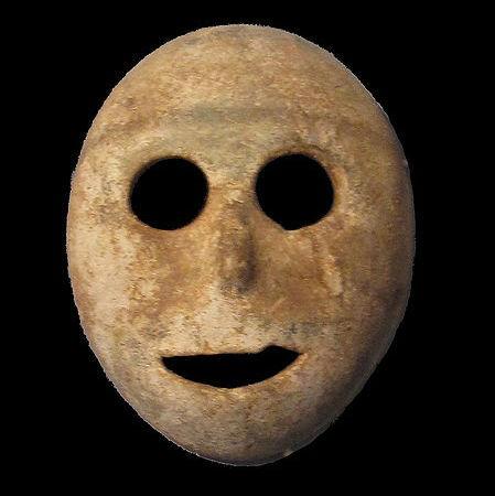 十个迄今发现的最古老物体:7000年石制面具