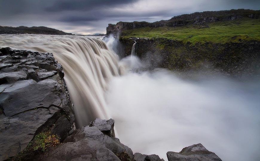 欧洲最高瀑布胜景如梦似幻:高44米气势磅礴