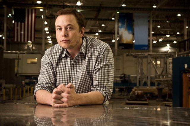 """硅谷""""钢铁侠""""的12大疯狂计划:8万人移民火星"""