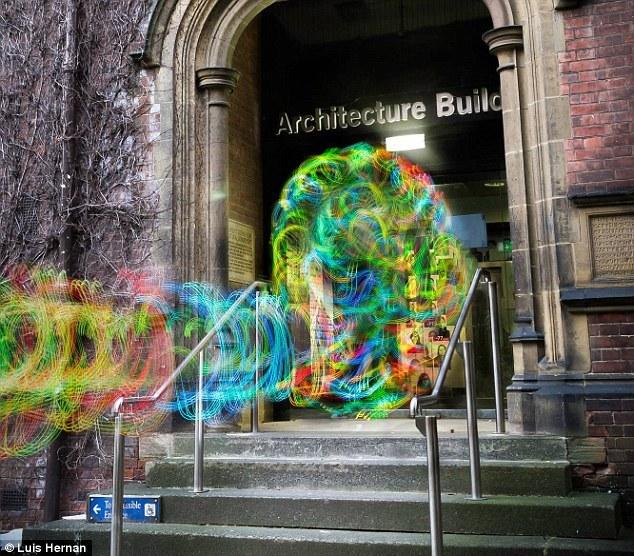 飘渺的数字:英国大学生捕捉Wi-Fi美丽世界