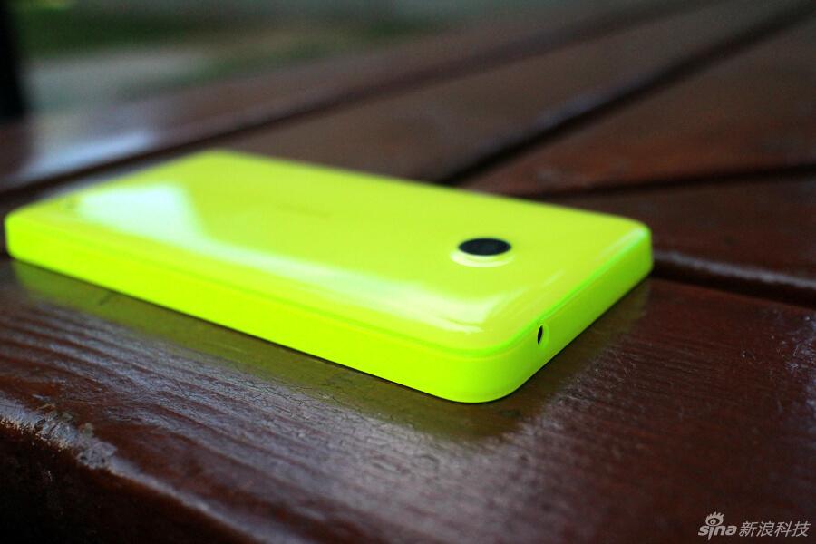 实拍:首款Windows Phone 8.1系统4G手机 诺基亚Lumia 638 蓝点网 http://www.landiannews.com