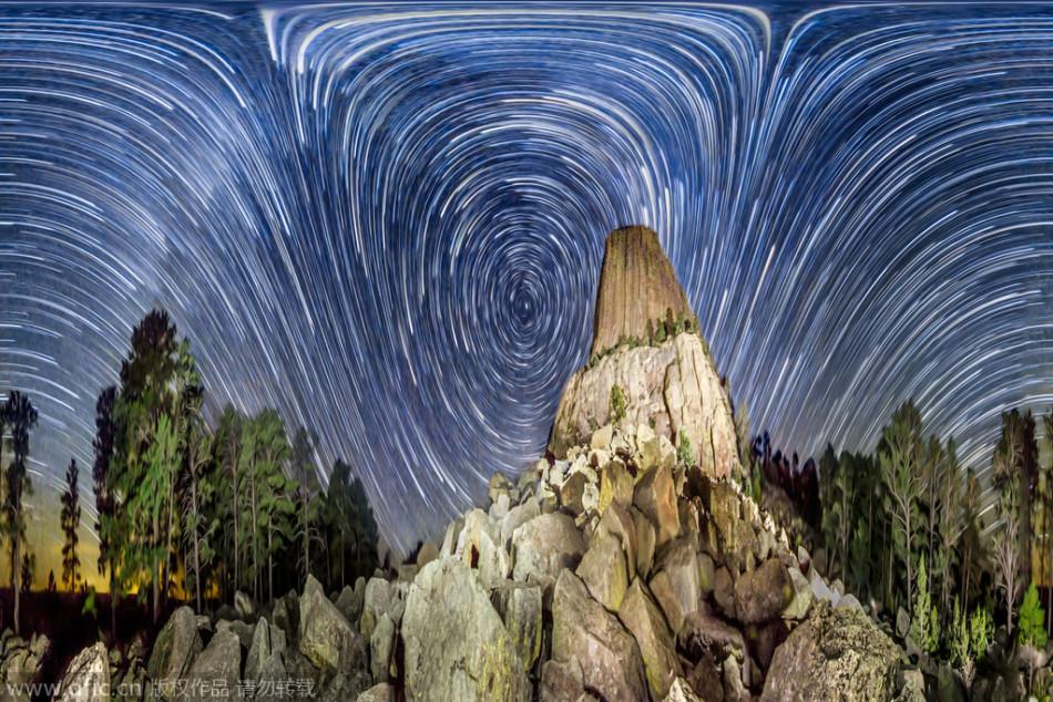 摄影师拍摄漩涡状星空:捕捉夜空恒星运动星迹