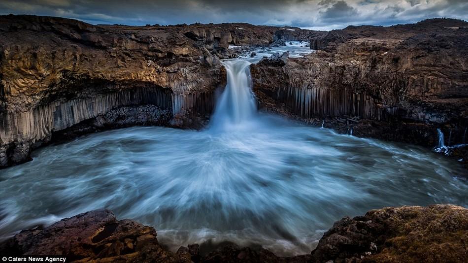 摄影作品展示冰岛令人窒息美景:大自然完美融合