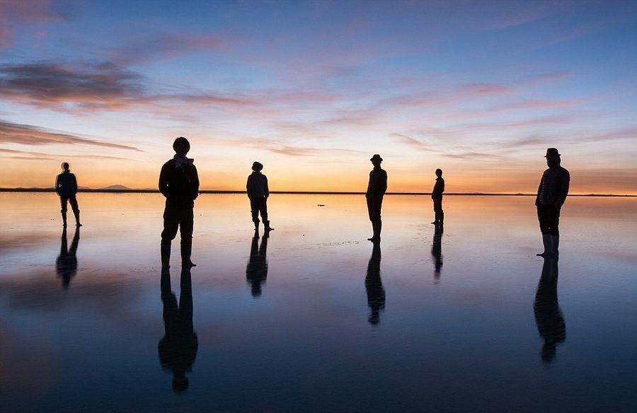 日本男子拍世界最大盐沼绝美景象