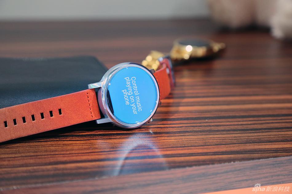 经典延续创新 Moto 360二代手表图赏