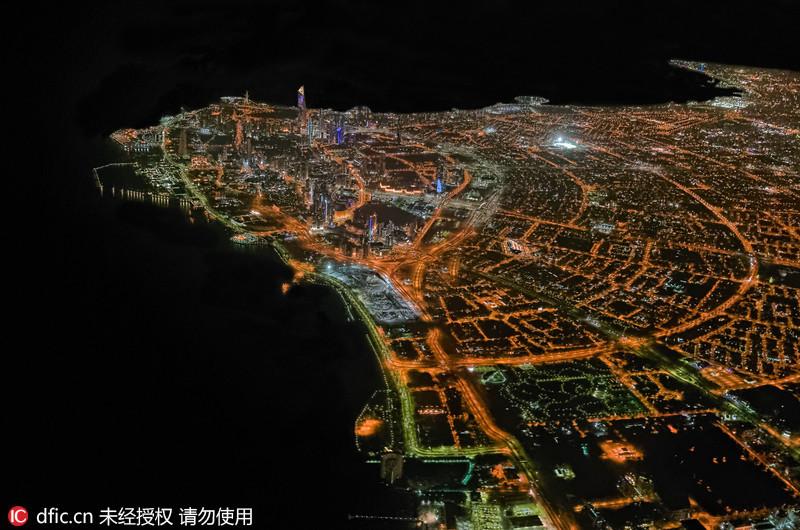 英国飞行员万米高空俯拍大都市绚丽夜景