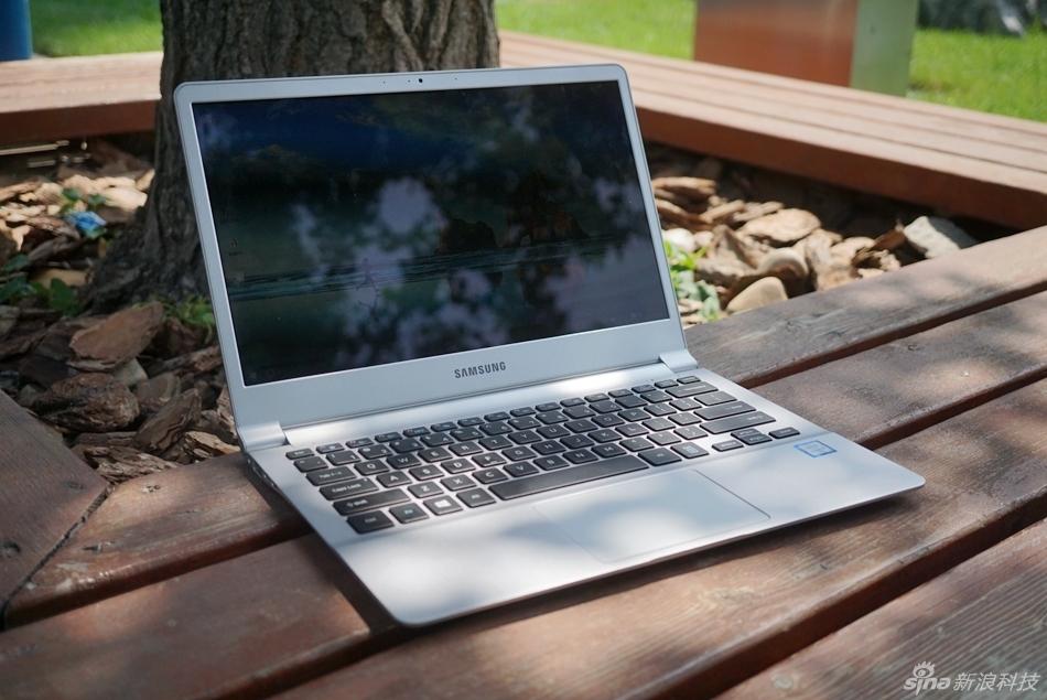 三星NoteBook 9实拍图赏:轻薄是一种信仰
