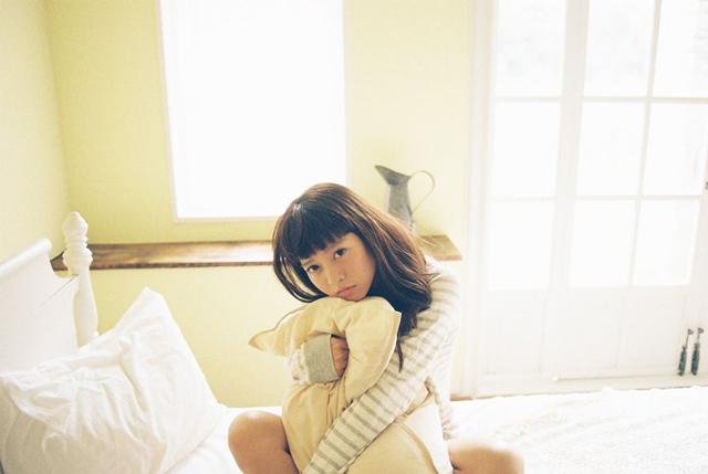 花盛友里:拍摄刚刚起床的少男少女