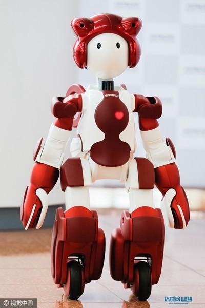 """日本人形机器人""""EMIEW3""""开始实证试验"""