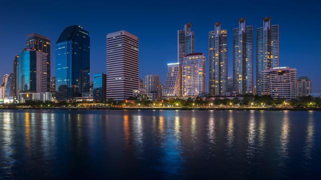 15张以城市夜景为主题的摄影作品