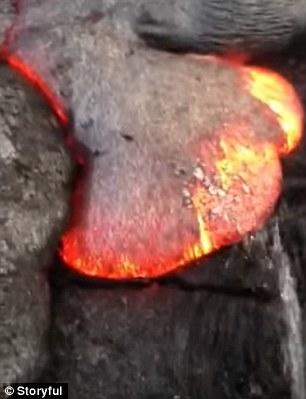 奇葩实验:700度的熔岩上撒尿会怎样?