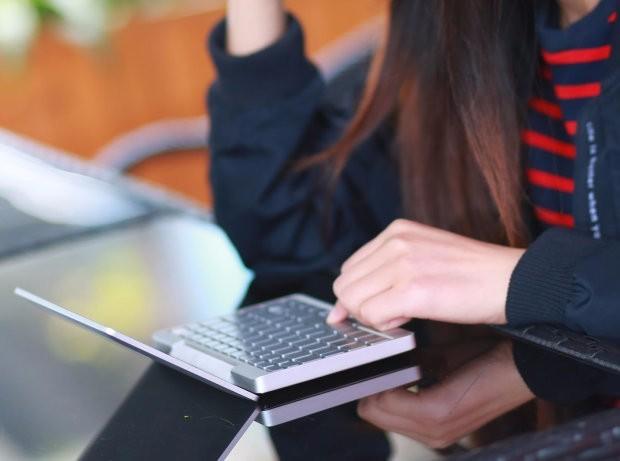 GPD Pocket袖珍笔记本电脑高清图赏 酷似MBPmini版