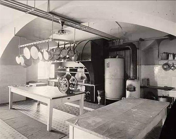 白宫的厨房,但这是1909年时的厨房