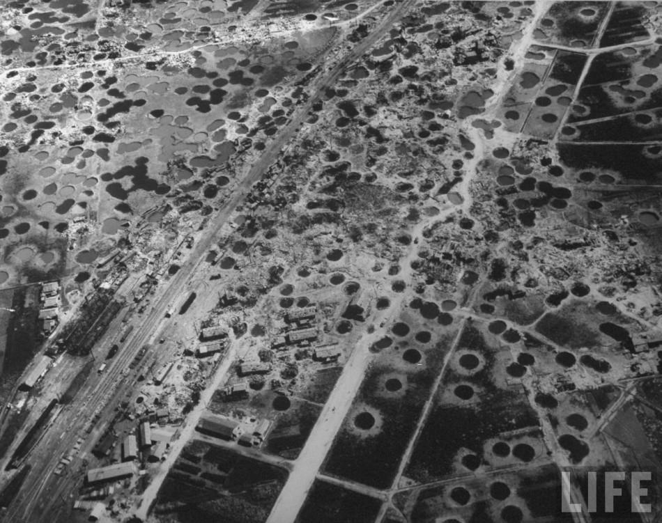 遍地弹坑与废墟:战后满目苍痍的日本