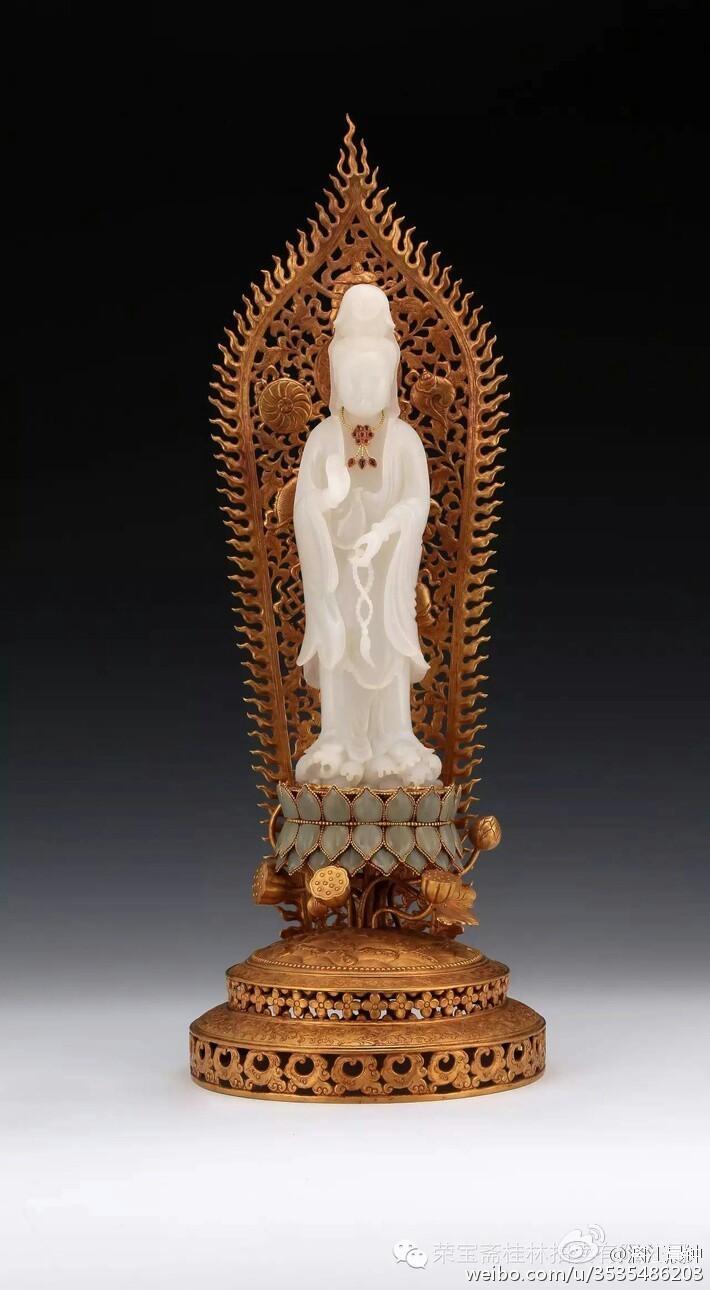 49厘米的清代金镶玉观音像拍出逾3000万元天价,李可染创作的《漓