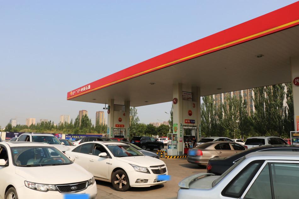 你不知道的24小时中国石油加油员的一天