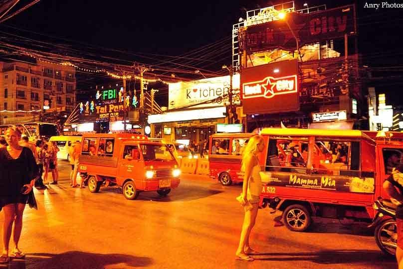 普吉岛芭东酒吧街风情夜生活