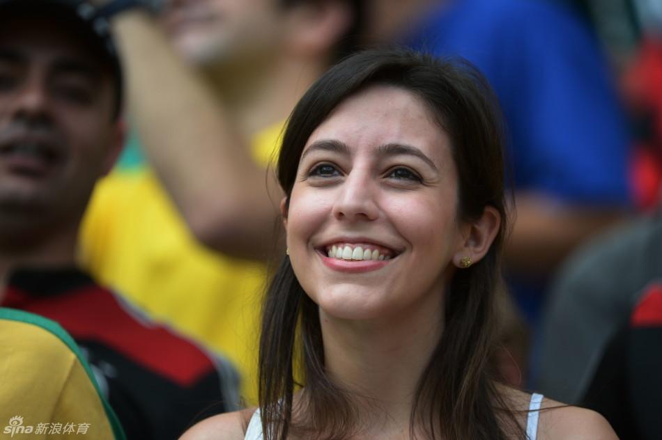 比利时1 0俄罗斯看台上性感女球迷