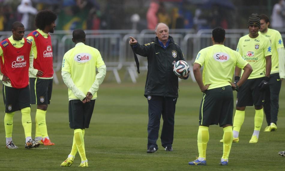 7月11日,2014年巴西世界杯,巴西队训练备战与荷兰队之间的三四名图片