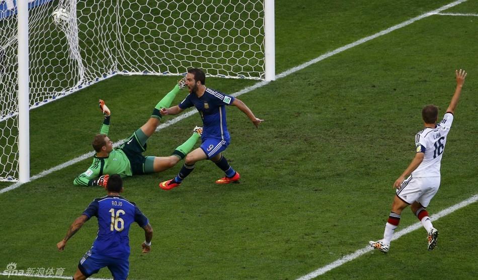 4日凌晨3点,世界杯决赛德国1-0绝杀阿根廷,替补出场的格策在加